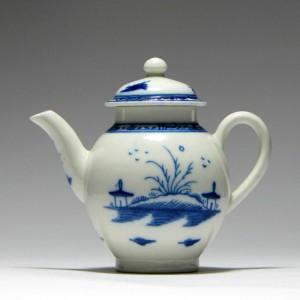 Fine Miniature Caughley Teapot c1780