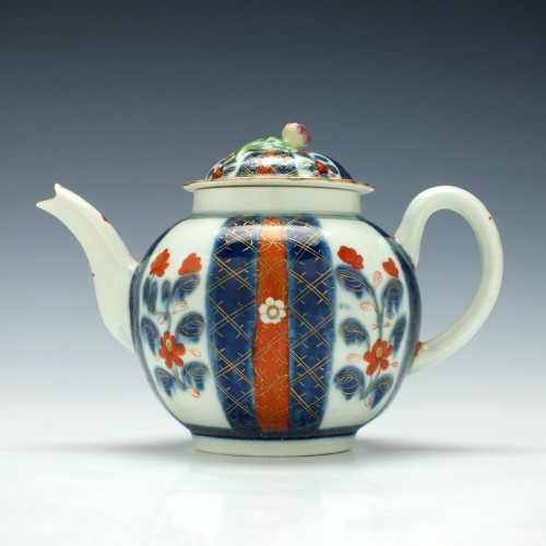 First Period Worcester Imari Pattern Teapot and Cover c1765