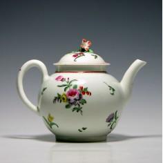 First Period Worcester Teapot c1770