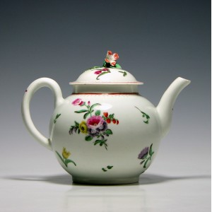 First Period Worcester Teapot c1770