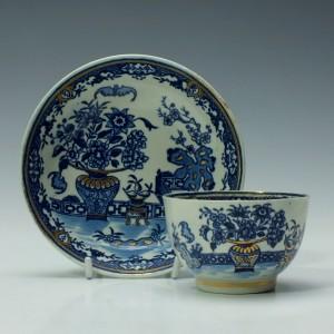 Worcester Bat Pattern Tea Bowl and Saucer c1785