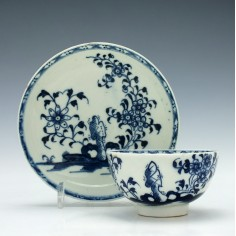 Lowestoft Daisy Rock Pattern Tea Bowl and Saucer c1770