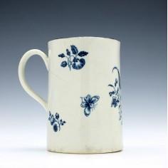 Worcester Porcelain Gilliflower Pattern Mug c1770-85