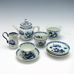 A Lowestoft Porcelain Garden Pattern Toy Tea Set c1764