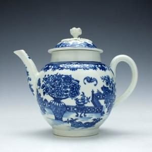 Worcester Bat Pattern Teapot c1785