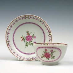 A Lowestoft Porcelain Thomas Rose Pattern Tea Bowl and Saucer c1785-1800