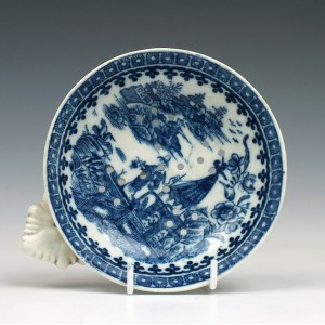 Caughley Fisherman Pattern Tea Strainer c1785