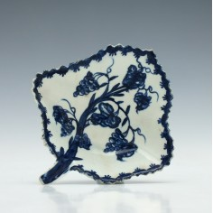 Early Lowestoft Blue & White Pickle Dish c1760