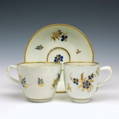 Flight Worcester Porcelain Trio With Entwined Handles c1785