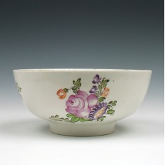 Lowestoft Rose and Flower Sprays Pattern Slop Bowl c1770