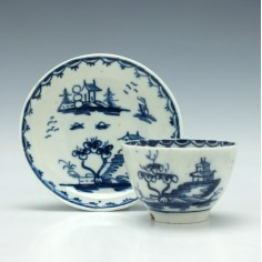 Lowestoft Porcelain Garden Pattern Toy Teabowl and Saucer c1765