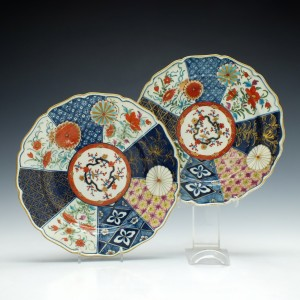 Pair of First Period Worcester Old Mosaic Pattern Porcelain Plates c1775