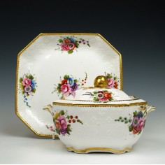 Spode Floral Pattern 2527 Porcelain Sucrier and Stand c1820