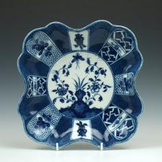Caughley Scalloped Scholar's Rock Pattern Dessert Dish c1780