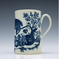 Worcester Porcelain Parrot Pecking Fruit Pattern Mug 1770-85