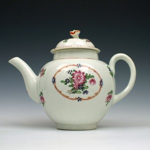 Worcester Floral Pattern Teapot and cover c1780