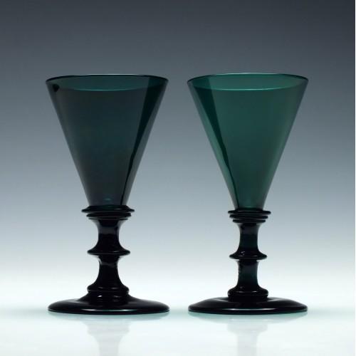 Pair Georgian Green Wine Glasses c1820