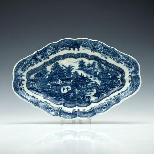 Caughley Scalloped Full Nanking Pattern Dish c1780