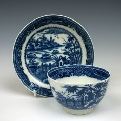 Caughley Fence and House Pattern Teabowl and Saucer c1785