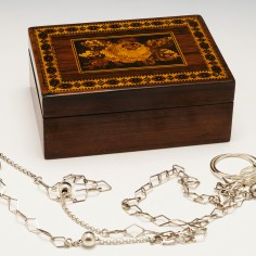 Tunbridge Ware Rosewood Trinket Box by Edmund Nye c1860