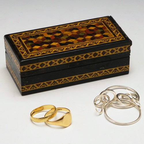 Tunbridge Ware 'Tumbling Dice' Ring Box c1860