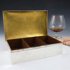 Edwardian Silver Cigar Box by William Comyn & Sons London 1902