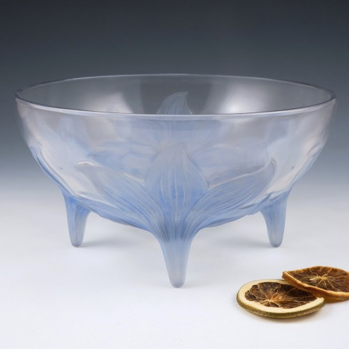 Rene Lalique Blue Stained Lys Coupe Designed 1924 Marcilhac 382