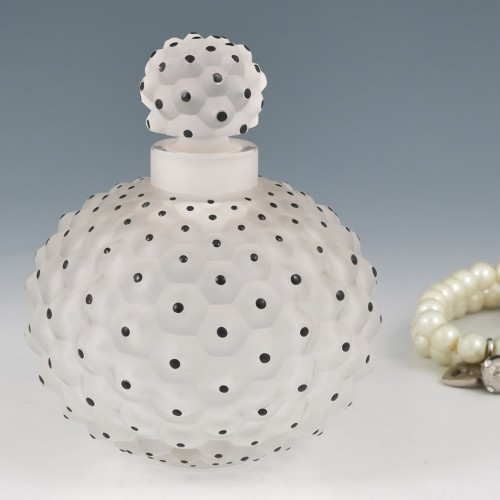 A Lalique Cactus Flacon No1 Ganiture De Toilette