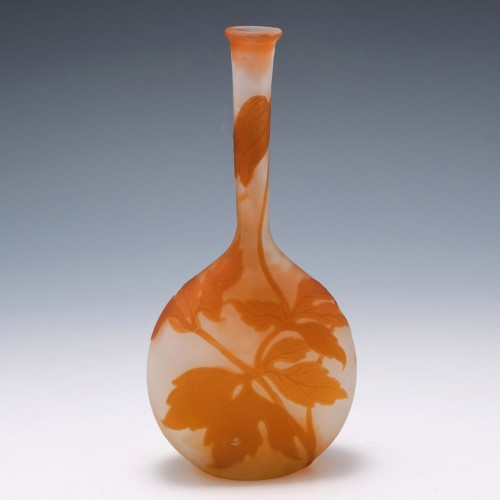 """Galle Clematis Cameo Glass """"Banjo"""" Vase 1902-1904"""