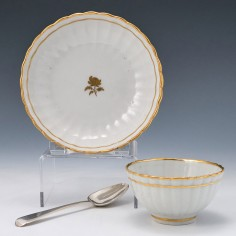 Early New Hall Porcelain Pattern 64 Tea Bowl and Saucer c1790