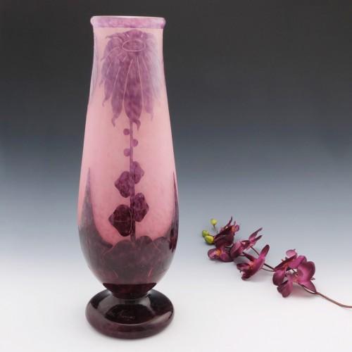 Schneider Verre Francais 19 1/2 Inch Dahlias Vase
