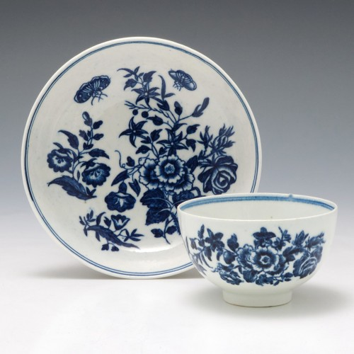 """First Period Worcester """"Three Flowers"""" Tea Bowl and Saucer c1775"""