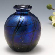 A Garry Nash Iridescent Vase 1997