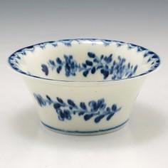 A Lowestoft Porcelain Patty Pan c1770