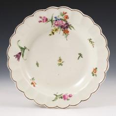 A Worcester  First Period Porcelain Scallop Rim Dessert Plate c1770
