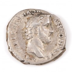 Emperor Antoninus Pius Silver Denarius, 139AD