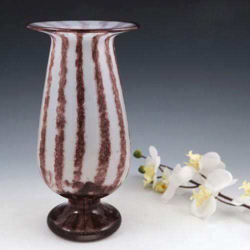 Rare Daum Intercalaire Design Vase 1919-1923