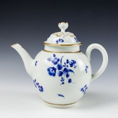A Worcester Dry Blue Teapot and Cover c1770