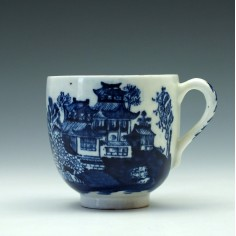 Lowestoft Porcelain Dark Landscape Pattern Coffee Cup c1790