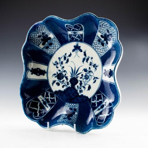 Caughley Porcelain Scholars Rock Pattern Dish c1780