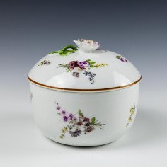 Meissen Porcelain Sucrier and Cover c1730