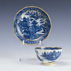 Caughley Porcelain Temple Pattern Teabowl and Saucer c1785