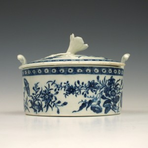 Reserved R D First Period Worcester Porcelain Three Flowers Pattern Butter Tub  c1775
