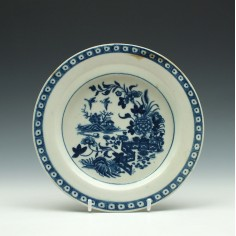First Period Worcester Porcelain Fence Pattern Butter Tub Stand  c1775