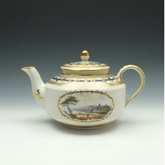 Derby Porcelain Teapot and Cover Zacharia Boreman c1790