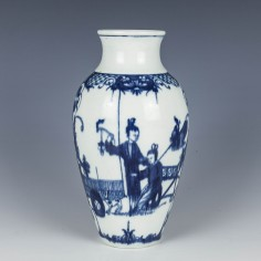 First Period Worcester Telephone Box pattern Vase c1770