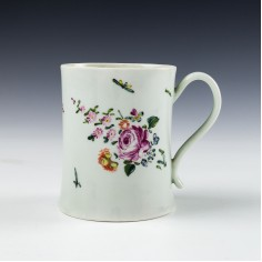 A Richard Chaffers Liverpool Porcelain Mug c1760