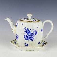 Worcester Dry Blue Porcelain Tea Pot and Stand c1770