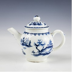 Lowestoft Porcelain Toy Teapot and Cover c1766