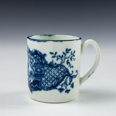 Worcetser Porcelain Coffe Can Mother And Child Pattern c1775